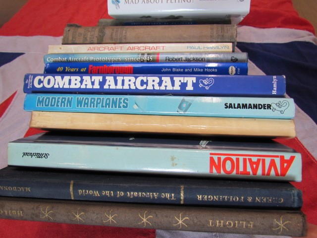 Lot 9 - Aviation Books