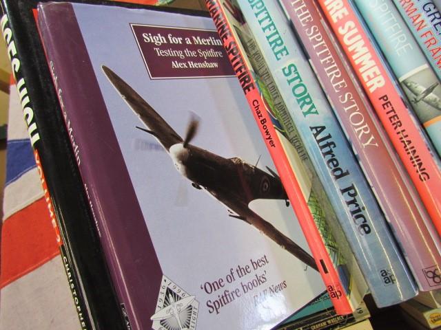 Lot 33 - Aviation Books