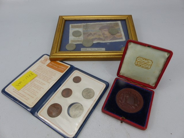 Lot 52 - French framed 20 Franc note 1997, along with various coins. British dairy farmers association
