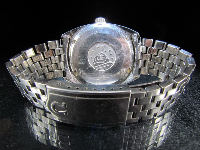 Lot 30 - Omega Constellation - Stainless steel face with date aperature, on stainless steel bracelet. Watch