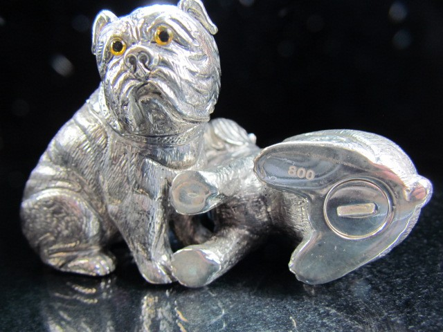Lot 17 - Pair of condiments in the form of dogs with glass eyes