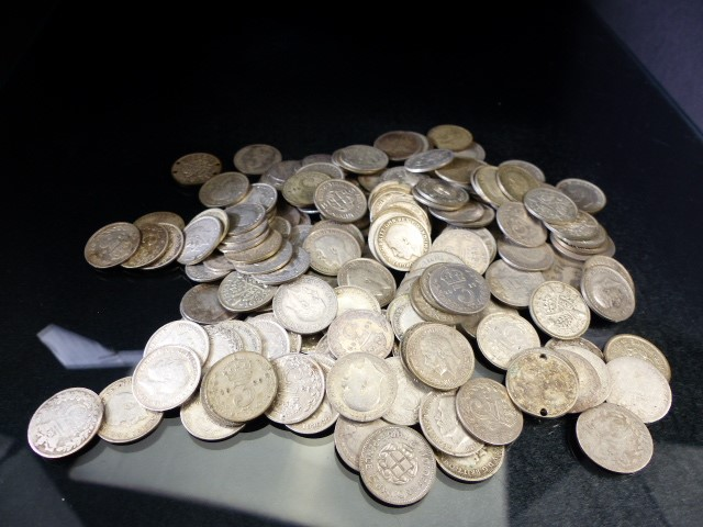 Lot 33 - Coins: Silver coinage mostly 19th & 20th century (total weight approx 265g)