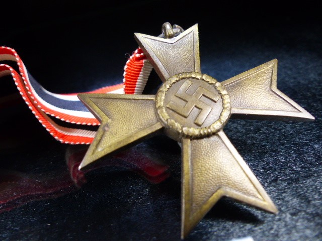 Lot 36 - Nazi Medal with Swastika on Ribbon marked 1939