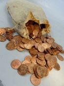 Approx. 13.4kg of all 1967 half penny coins, estimated at approx 2,240 coins