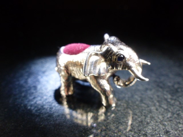 Lot 7 - Silver elephant figure pincushion