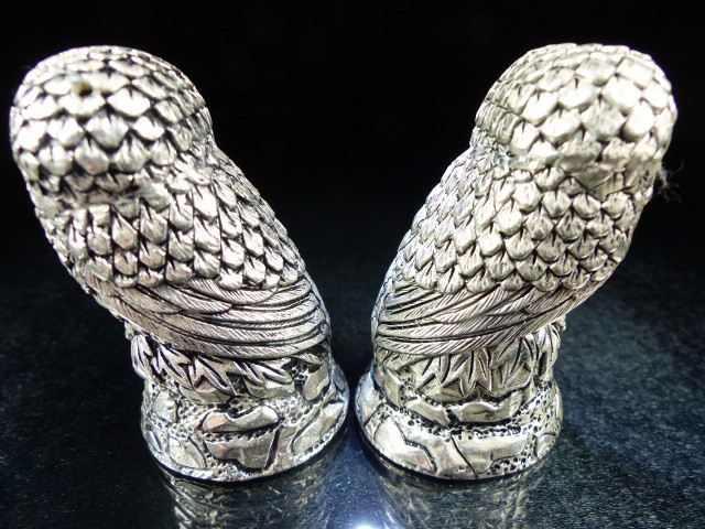 Lot 23 - Pair of condiments in the form of owls