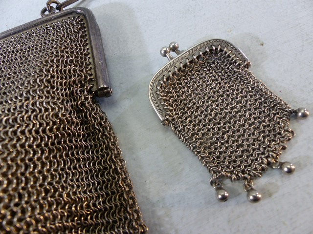Lot 41 - 1920's chain link purse the frame Silver marked 925 and each link of the strap marked 925
