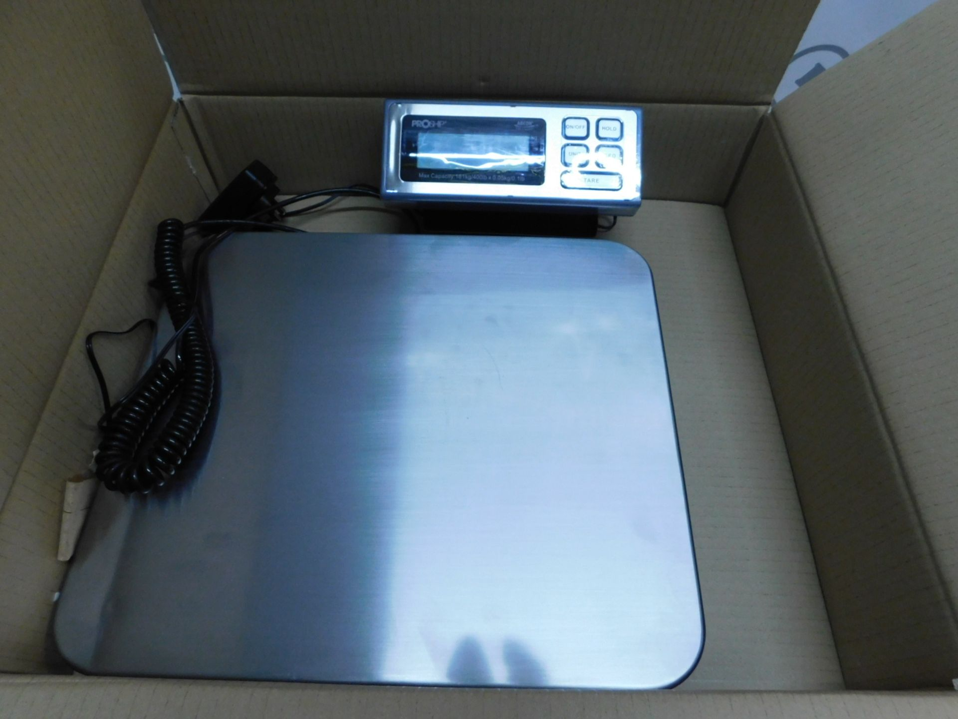 Lot 12 - 1 BOXED ABCON PROSHIP LARGE HEAVY DUTY ELECTRONIC SCALE (181KG/ 400LBS CAPACITY) RRP £129.99