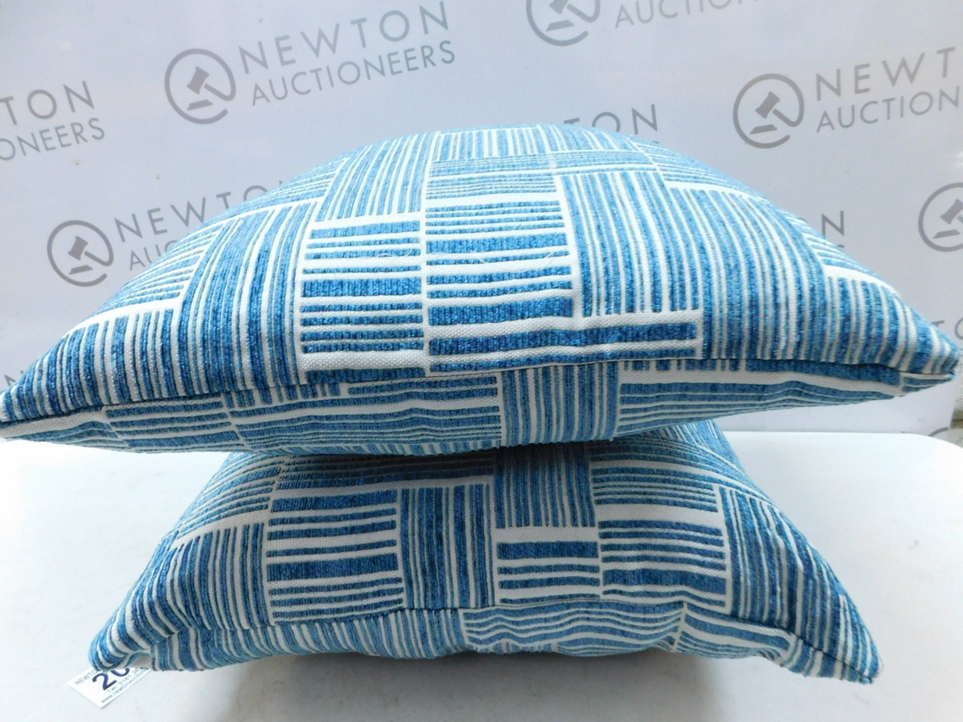Lot 204 - 1 PAIR OF ARLEE HOME FASHION PATTERNED CUSHIONS RRP £39.99