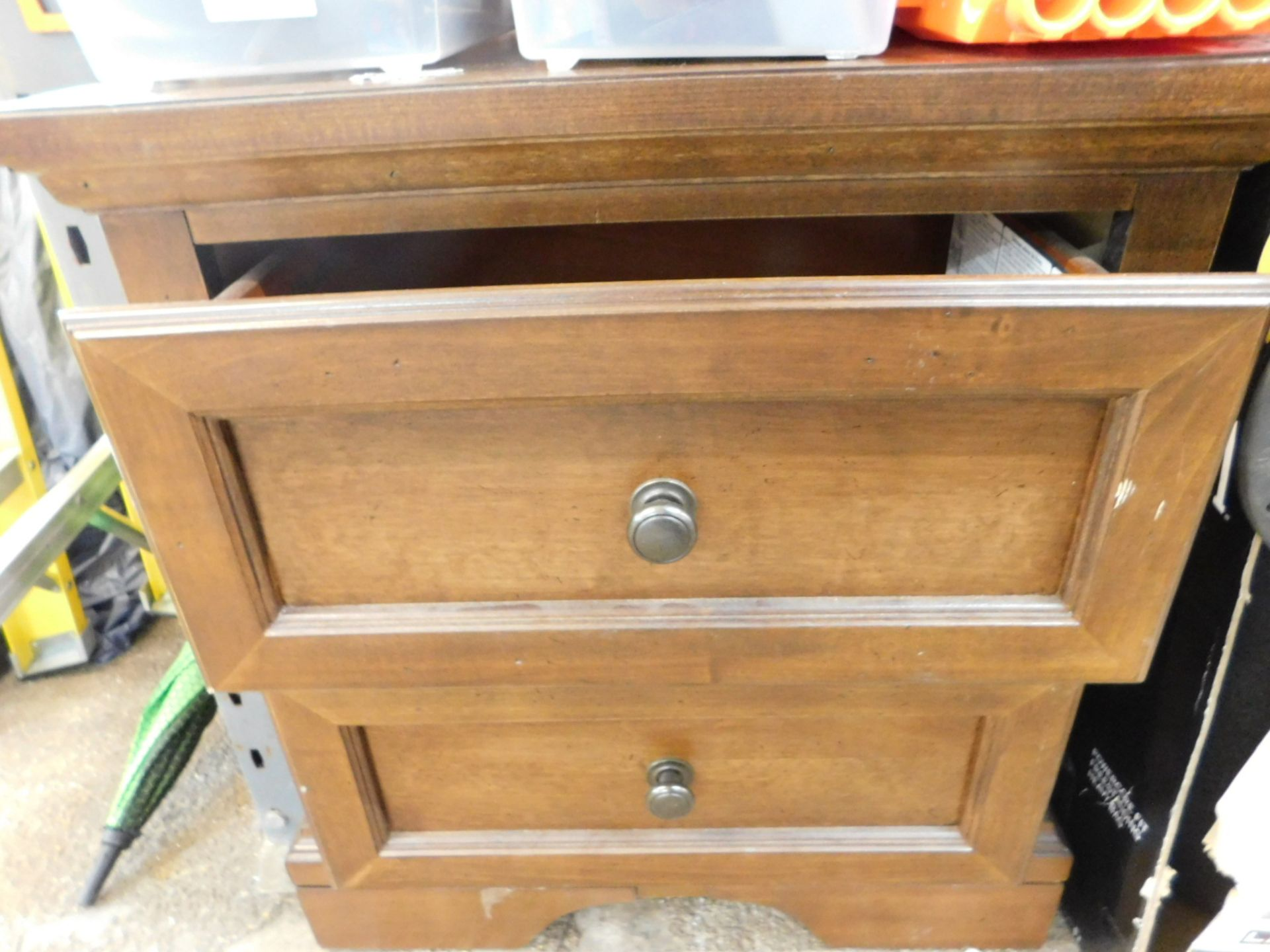 Lot 315 - 1 UNIVERSAL BROADMOORE NIGHTSTAND WITH 2 STORAGE DRAWERS RRP £119.99