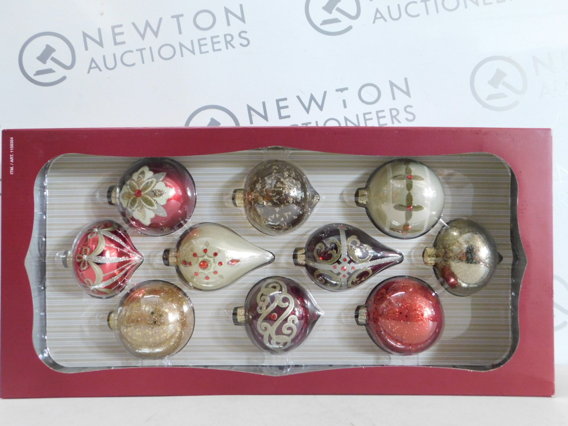 Lot 285 - 1 BRAND NEW BOXED KIRKLAND SIGNATURE 10 HAND-DECORATED GLASS ORNAMENTS RRP £29.99