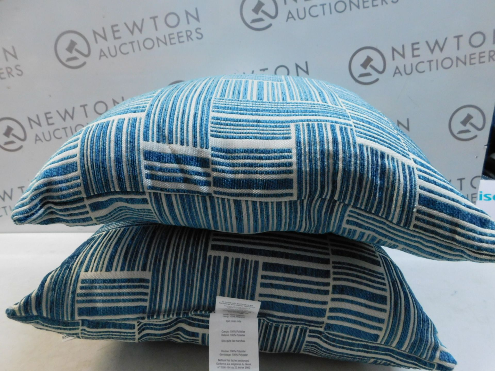 Lot 115 - 1 PAIR OF ARLEE HOME FASHION PATTERNED CUSHIONS RRP £39.99