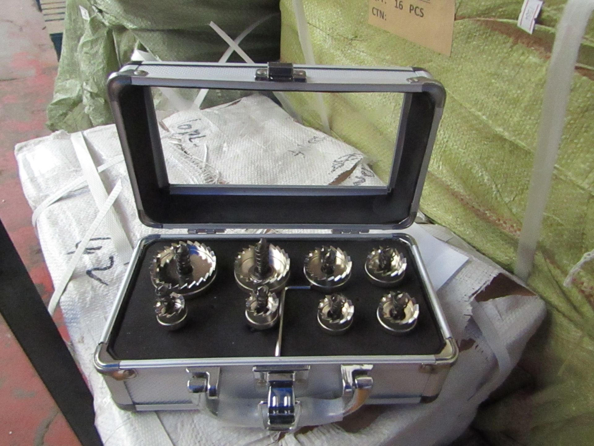 Lot 6 - 8 piece hole saw set in metal carry case, new