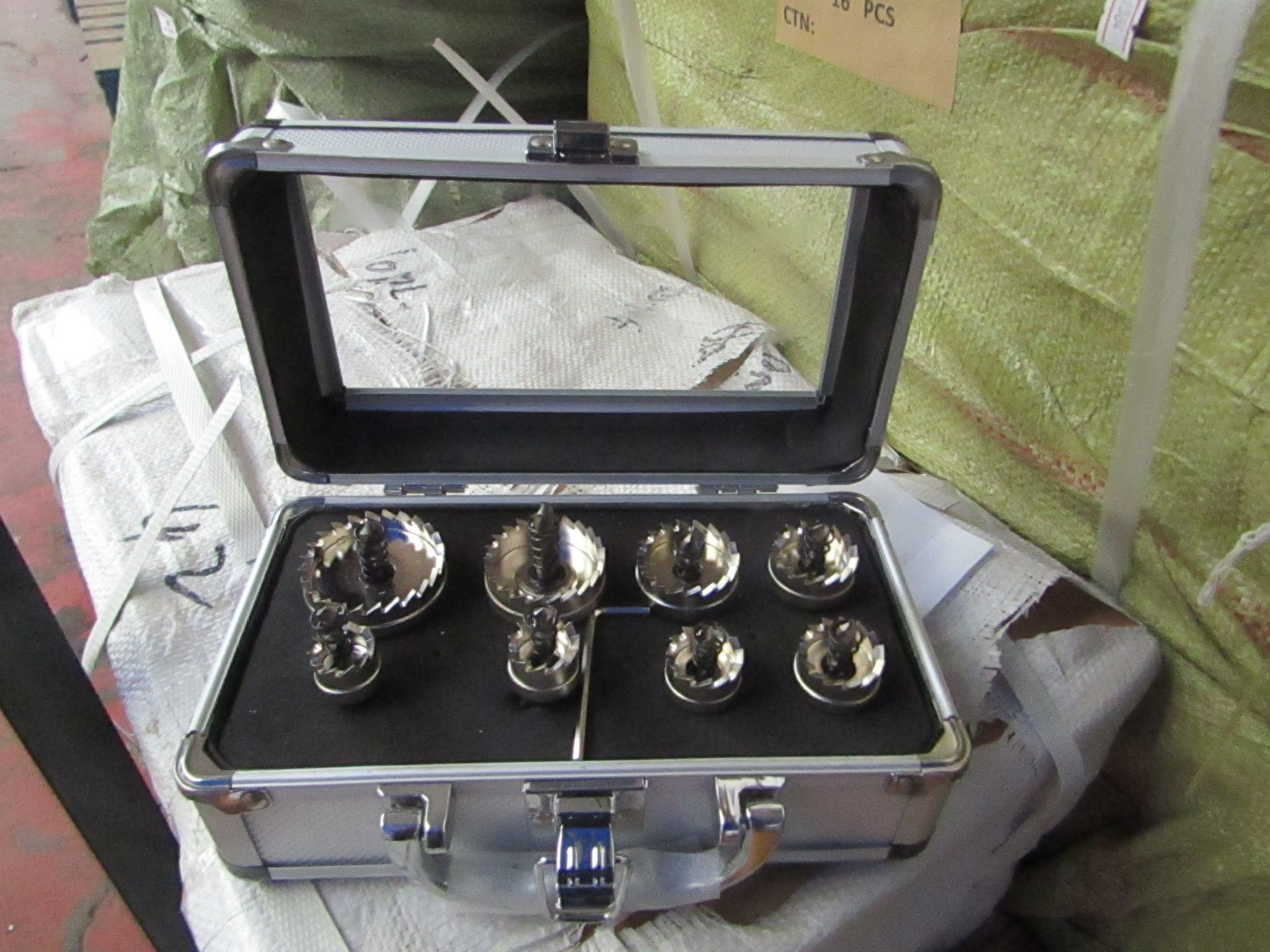 Lot 5 - 8 piece hole saw set in metal carry case, new