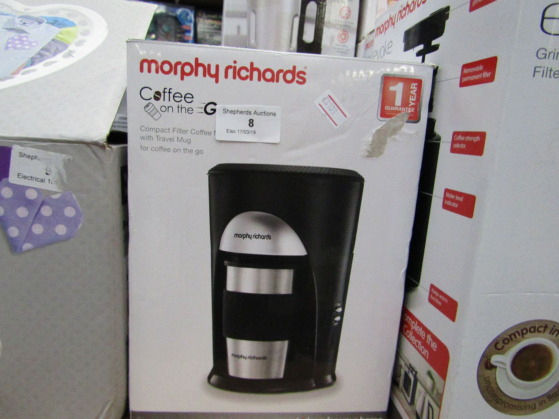 Lot 8 - morphy richards compact filter coffee machine powers on and boxed
