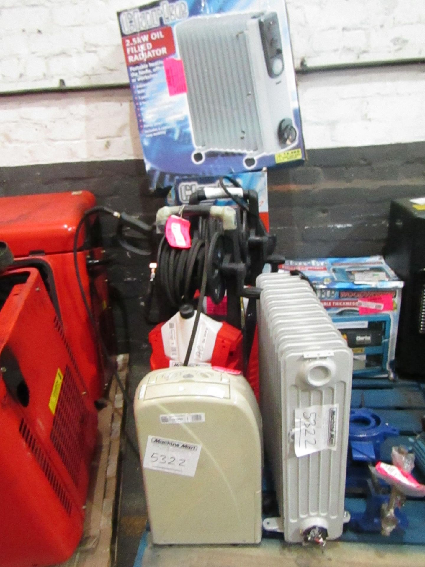Lot 2 - 6x Items being; Clarke YDK10 10 Litre Dehumidifier - RRP £69.98 2x Clarke radiator - £56.99 3x