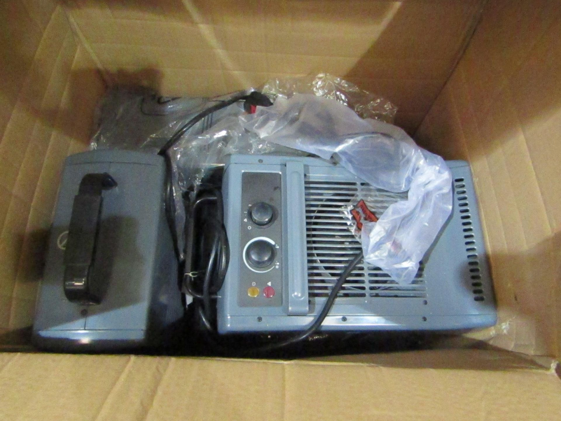 Lot 7 - Box of KAZ HeatersAll RRP's from www.machinemart.co.ukPlease note: The condition of such items range