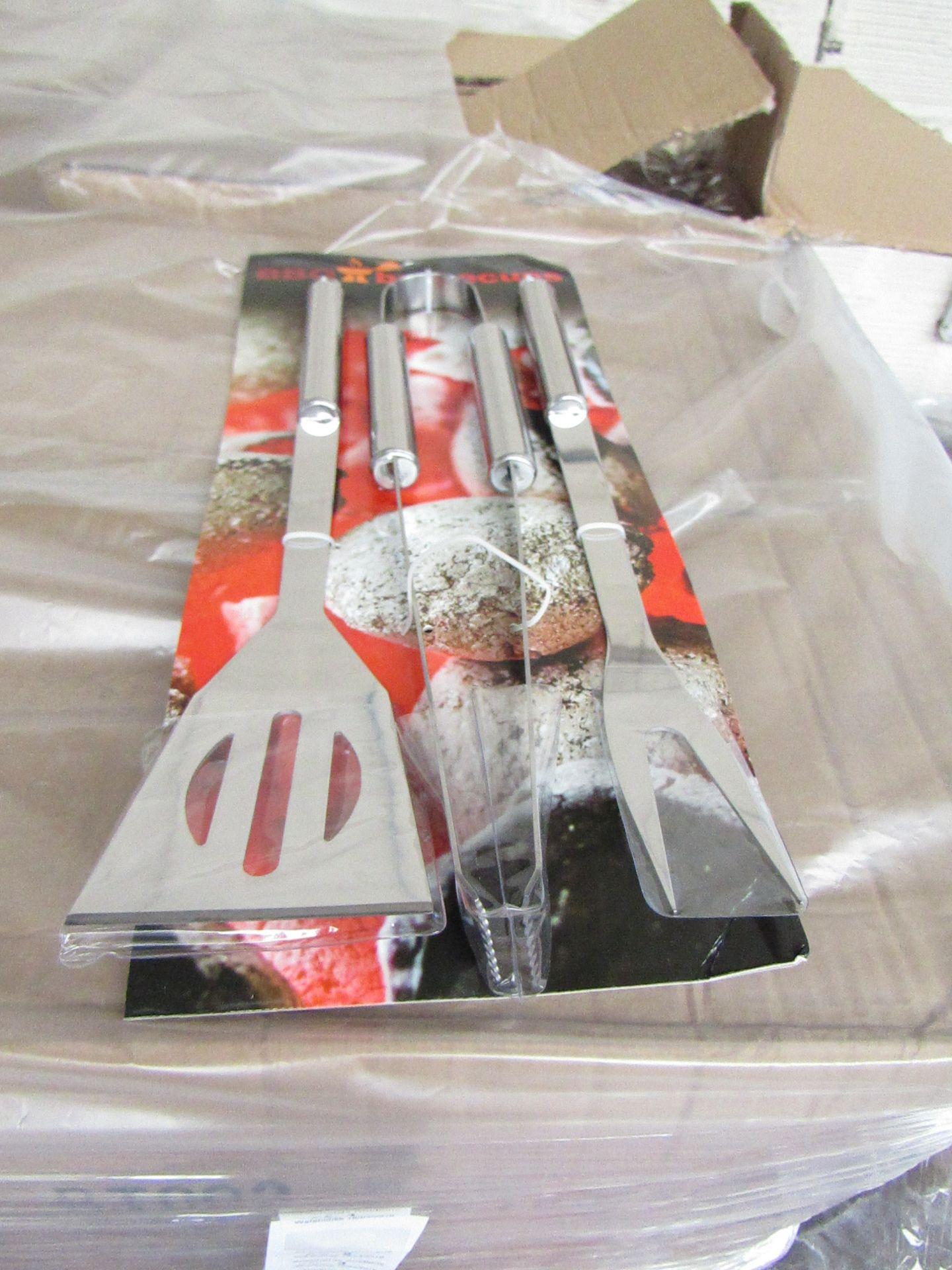 Lot 3 - 5x 3 piece BBQ tool kits, new still attached to POS