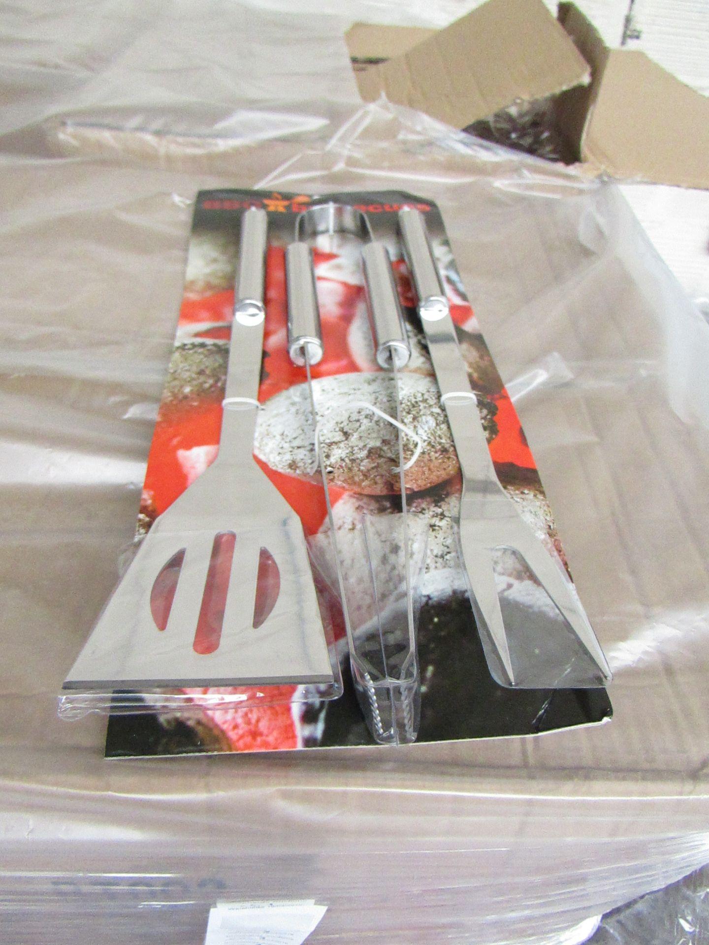 Lot 2 - 5x 3 piece BBQ tool kits, new still attached to POS