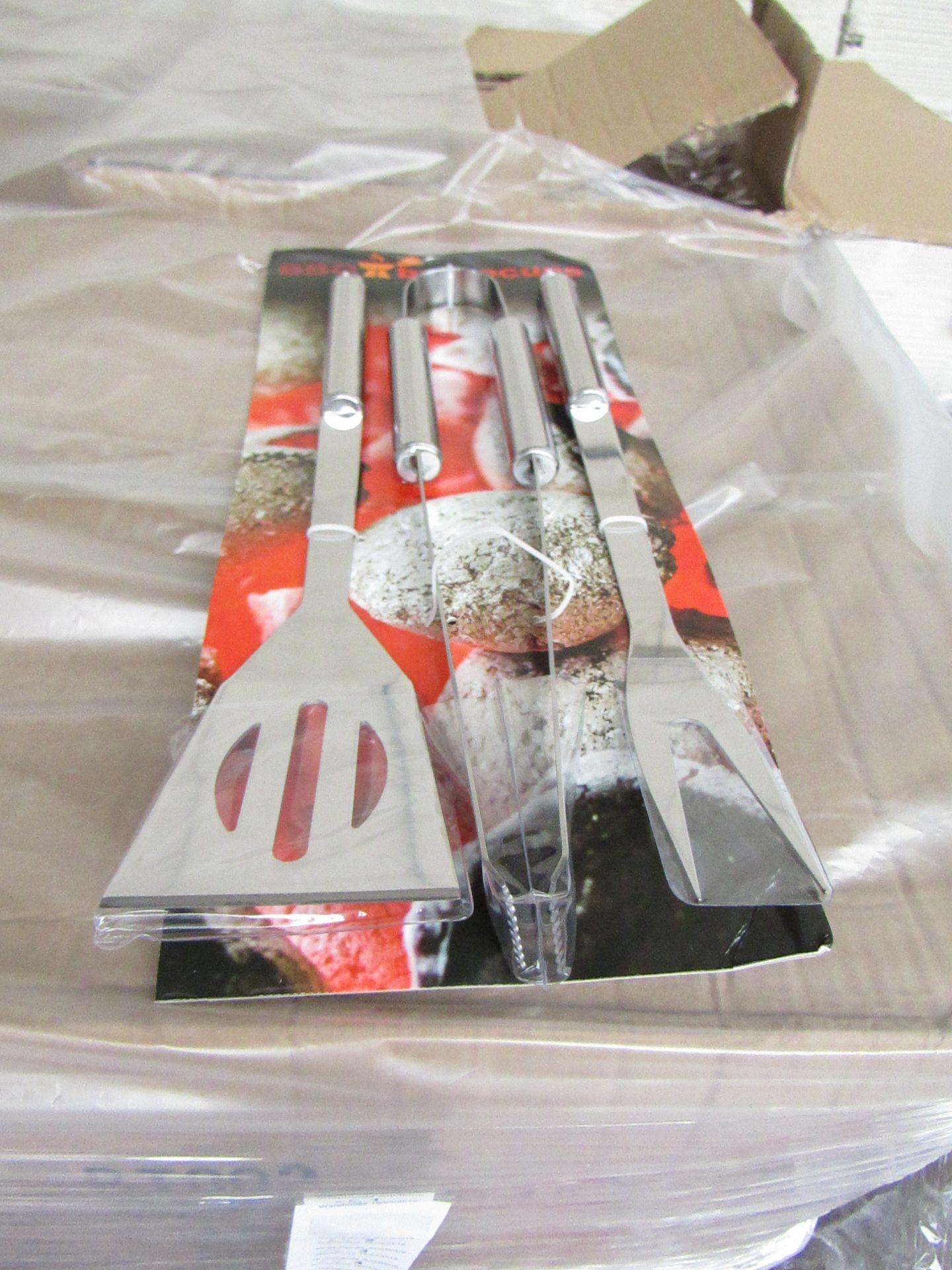 Lot 8 - 5x 3 piece BBQ tool kits, new still attached to POS