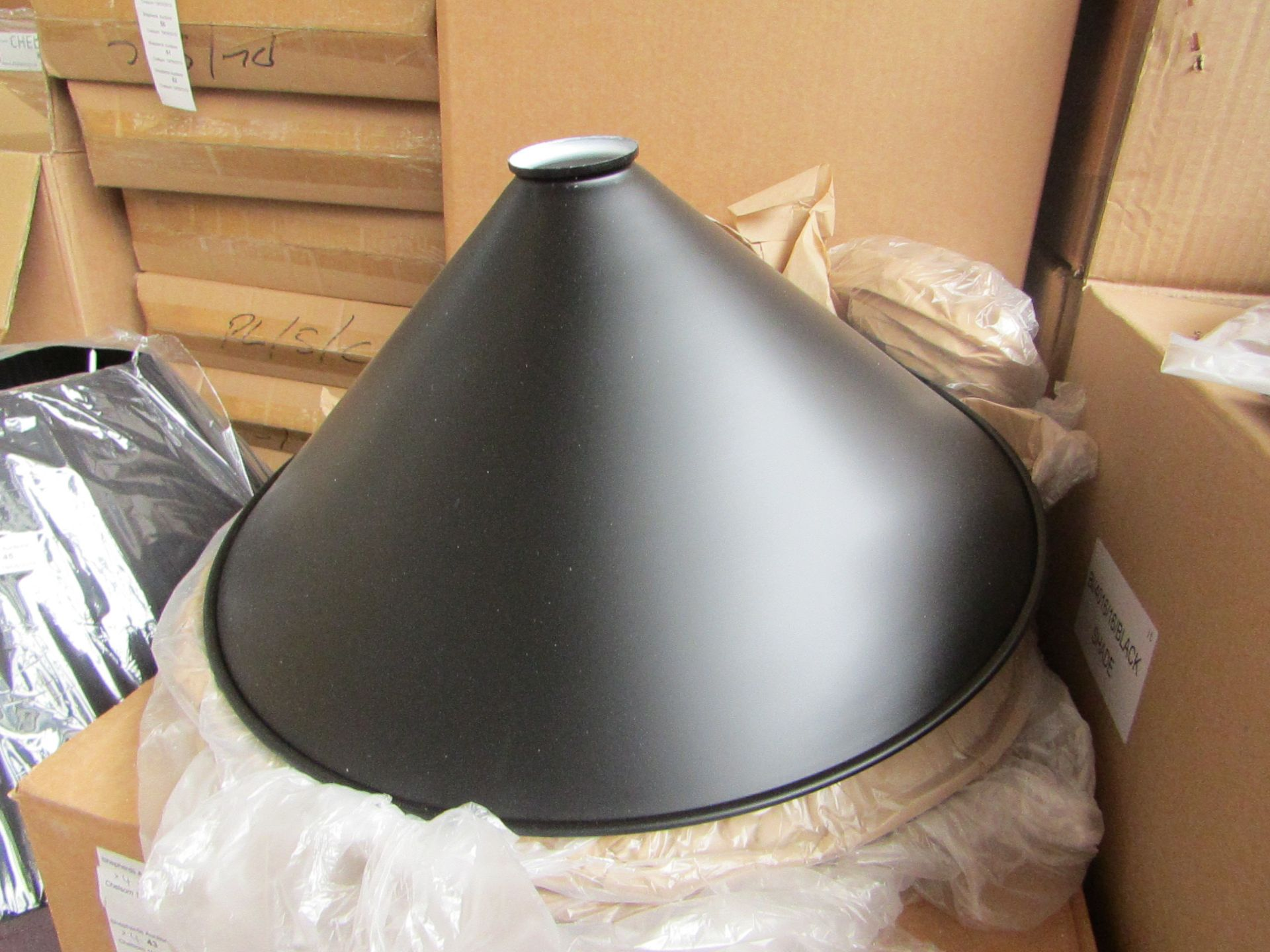 Lot 43 - 4x Chelsom BI/4017/16 Black metalpendant light shade with white lining, unused