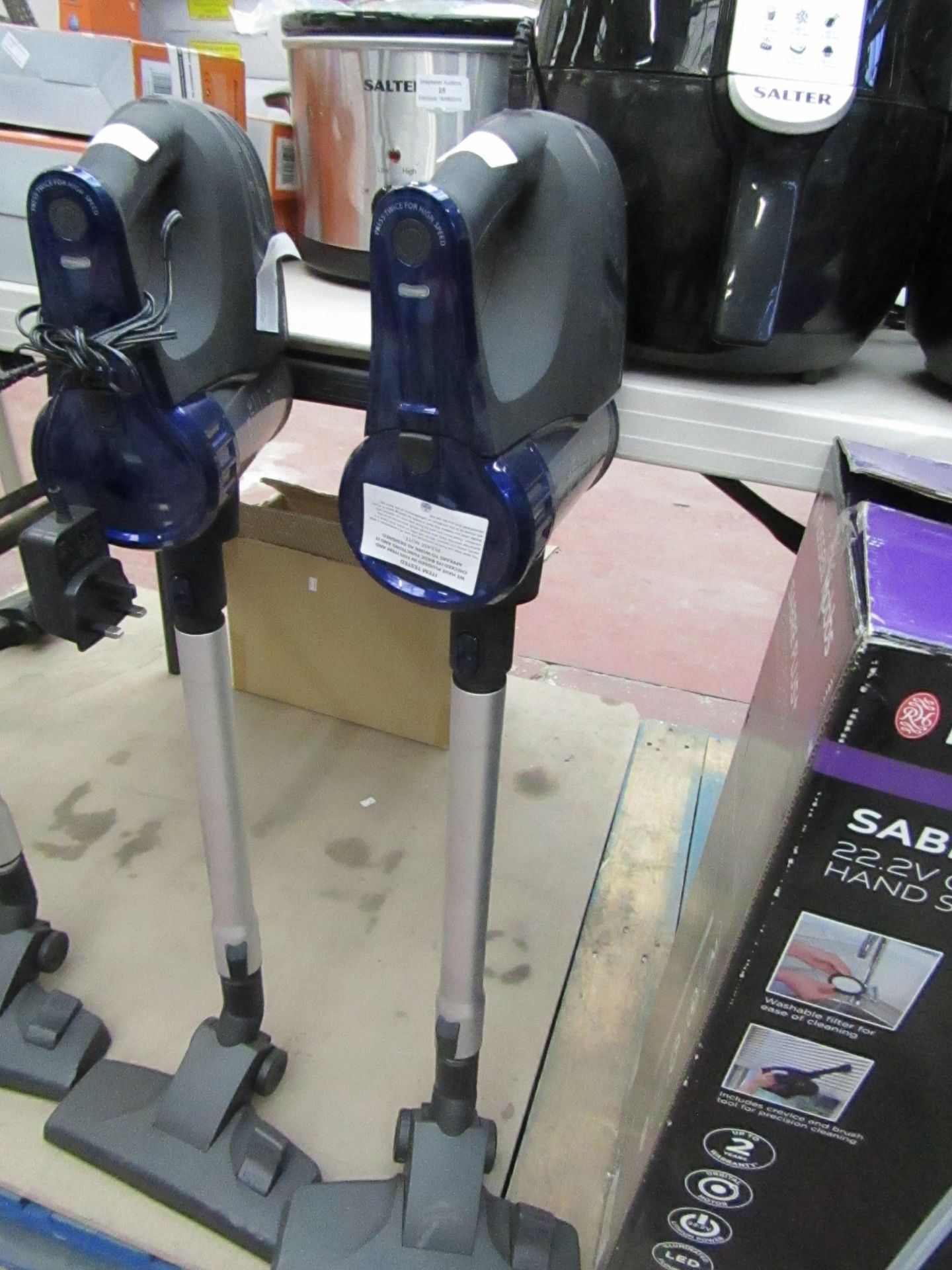 Lot 38 - Beldray cordless quick vac lite, tested working.