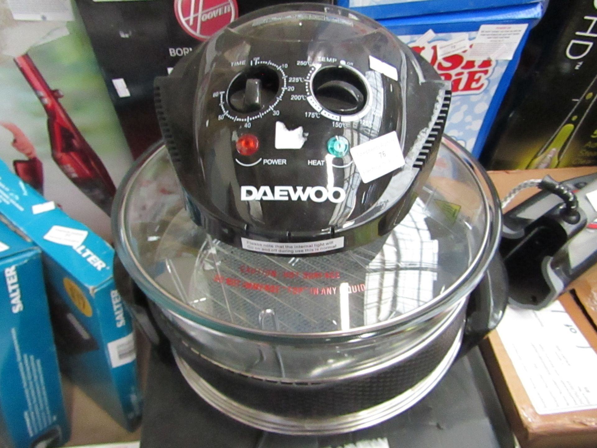 Lot 76 - Daewoo Electricals halogen air fryer, tested working and boxed.
