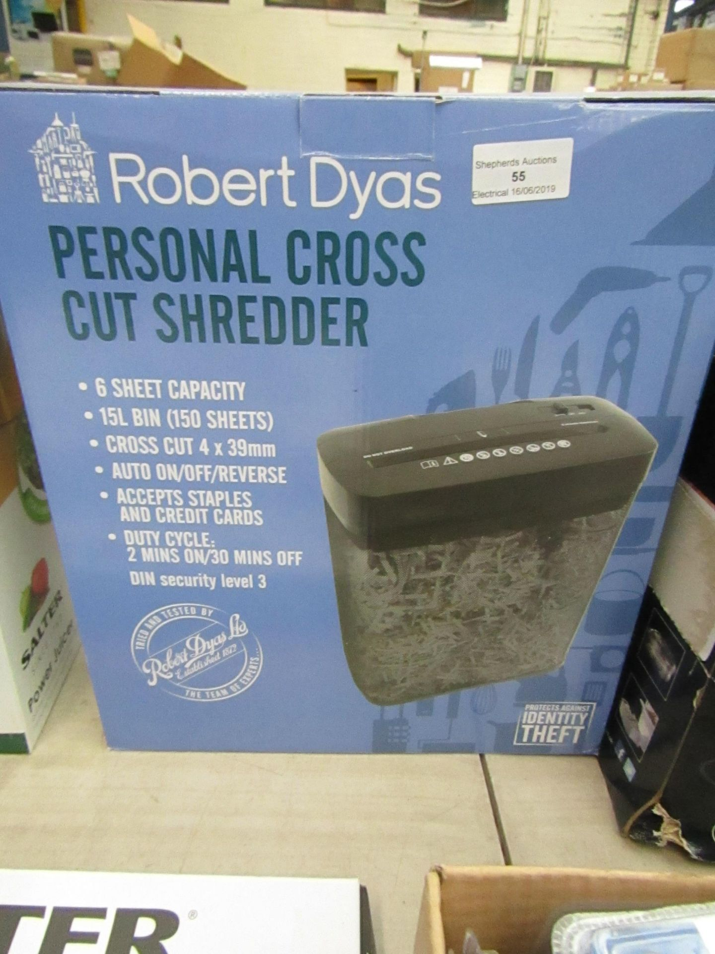 Lot 55 - Personal cross cut shredder, tested working and boxed.