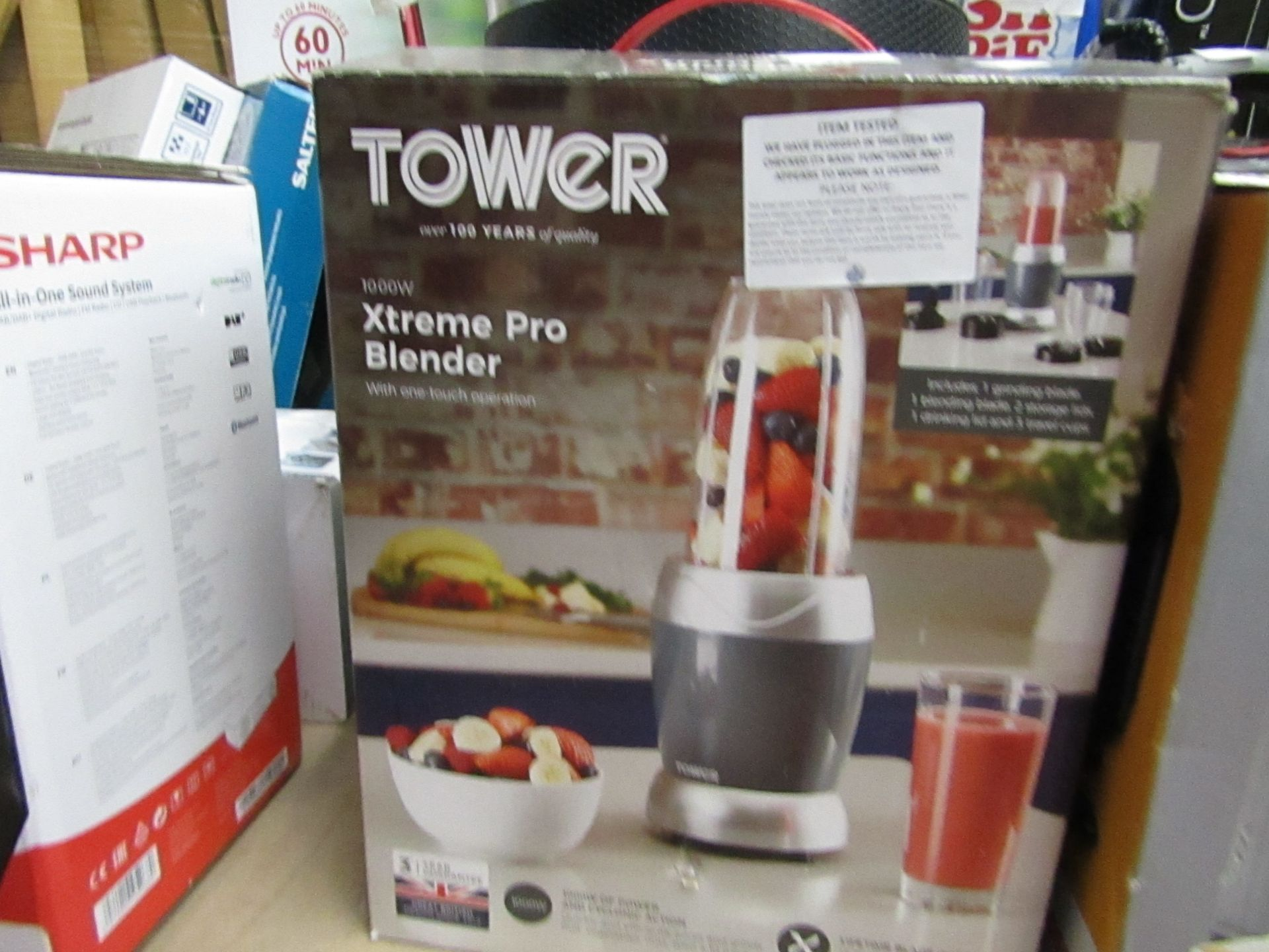 Lot 81 - Tower Xtreme Pro blender, tested working and boxed.