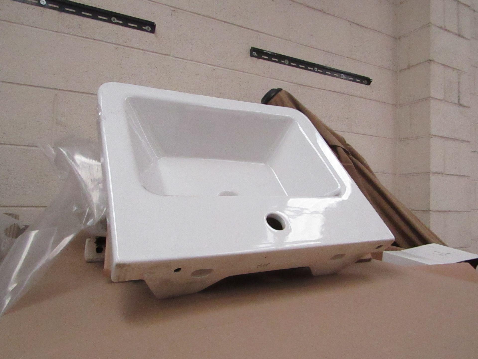 Lotto 17 - Victoria Plum Verso 550mm sink, new