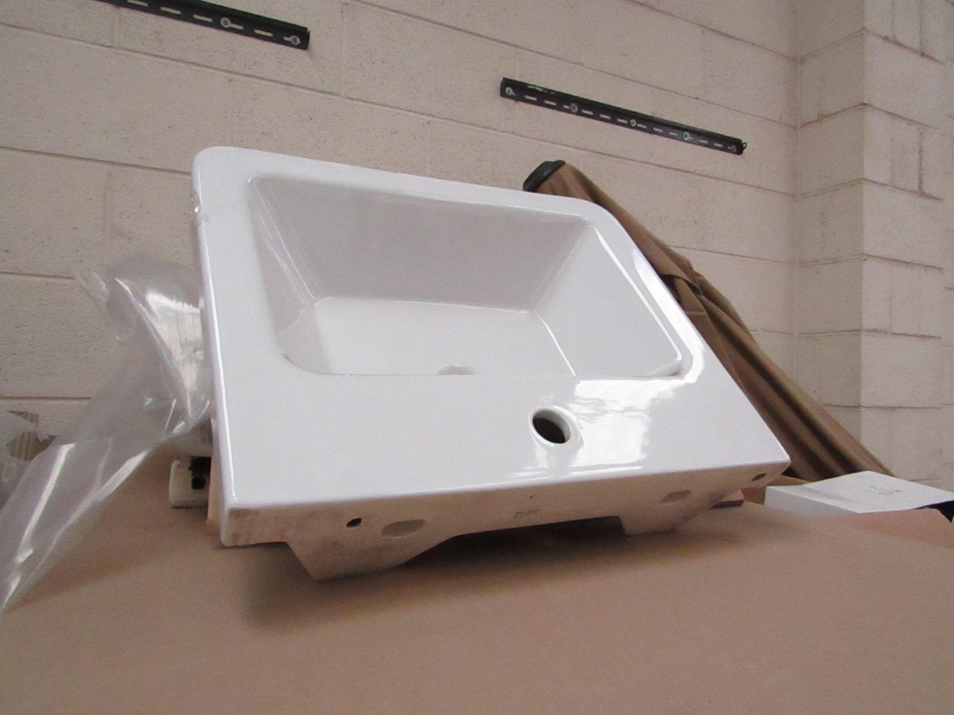 Lotto 16 - Victoria Plum Verso 550mm sink, new