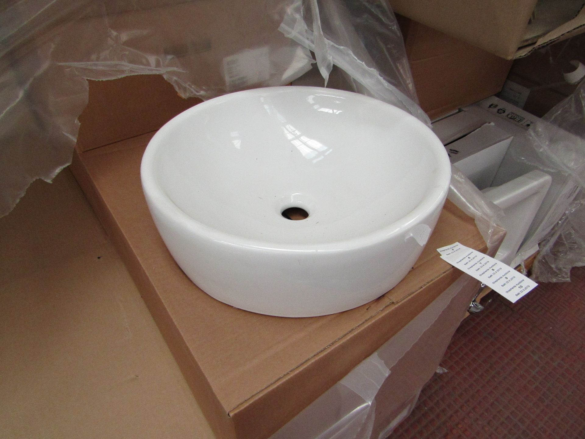 Lotto 7 - Nabis 45cm circular counter top sink, new and boxed