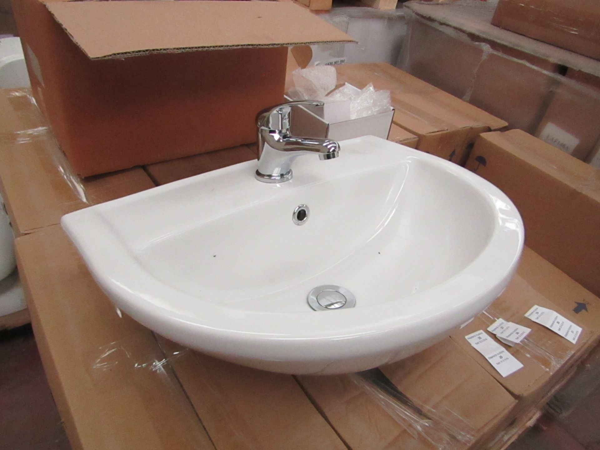 Lotto 26 - Lecico Remini 50cm 1 tap hole sink with mono block mixer tap, boxed and new