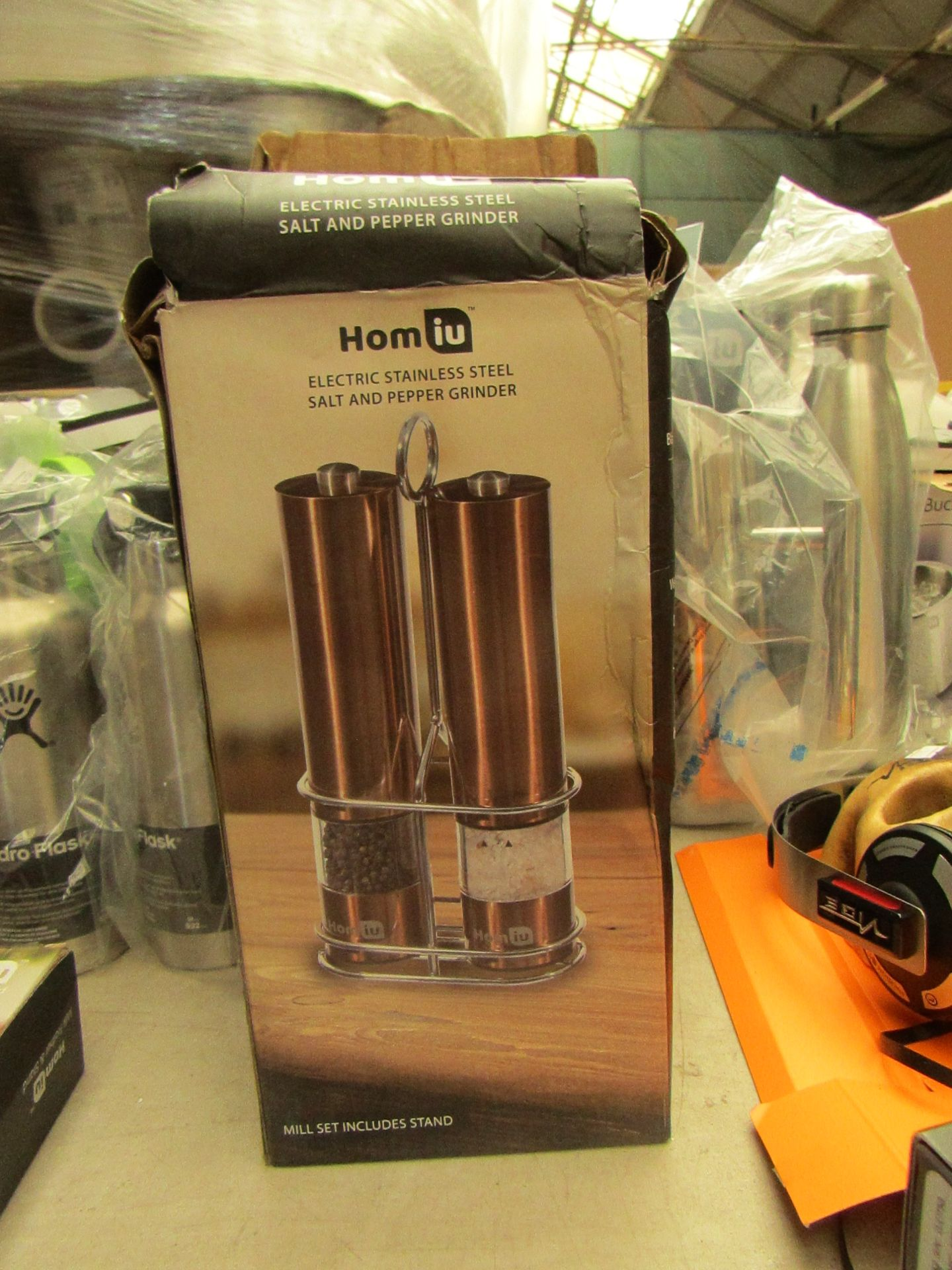 Lotto 20 - Homiu Electric Stainless Steel Salt and Pepper Grinder set in Copper . Boxed