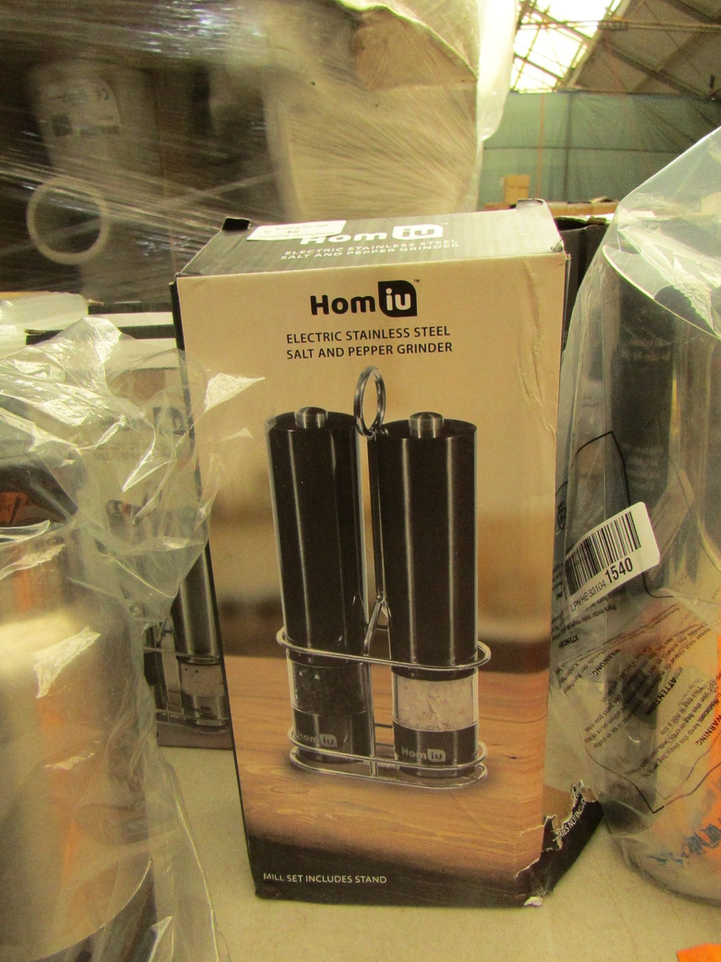 Lotto 24 - Homiu Electric Stainless Steel Salt and Pepper Grinder set in Gunmetal . Boxed