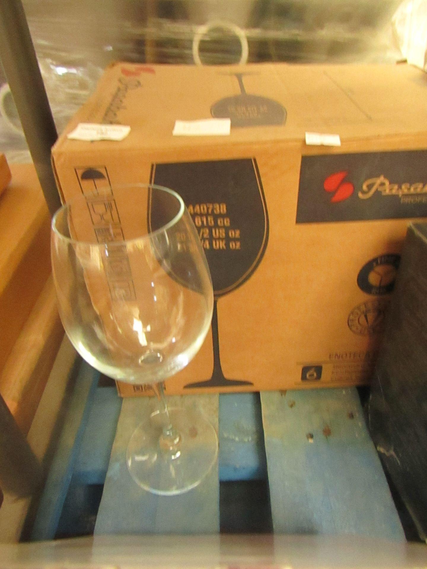 Lotto 182 - 4 x Pasabahce 615cc Wine Glasses boxed