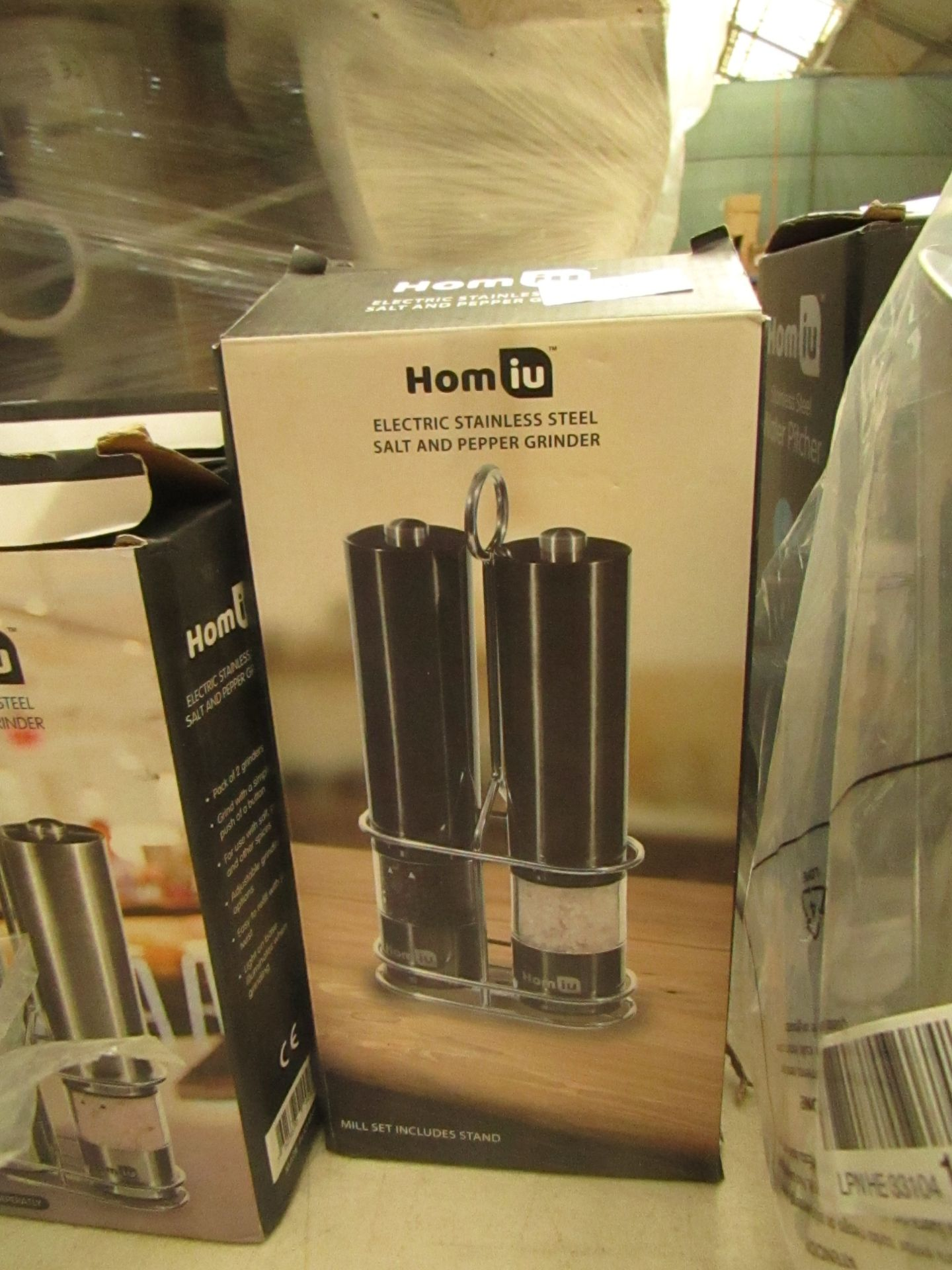Lotto 25 - Homiu Electric Stainless Steel Salt and Pepper Grinder set in Gunmetal . Boxed