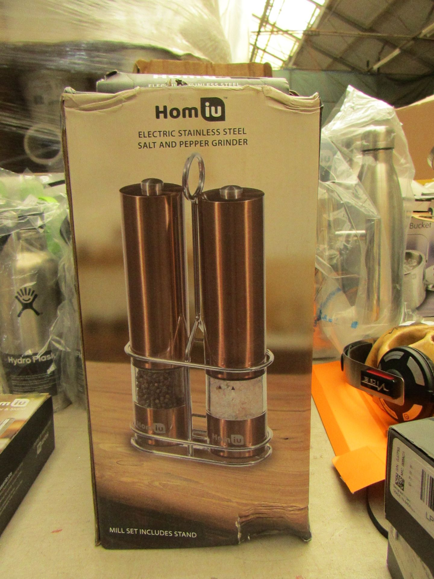Lotto 19 - Homiu Electric Stainless Steel Salt and Pepper Grinder set in Copper . Boxed