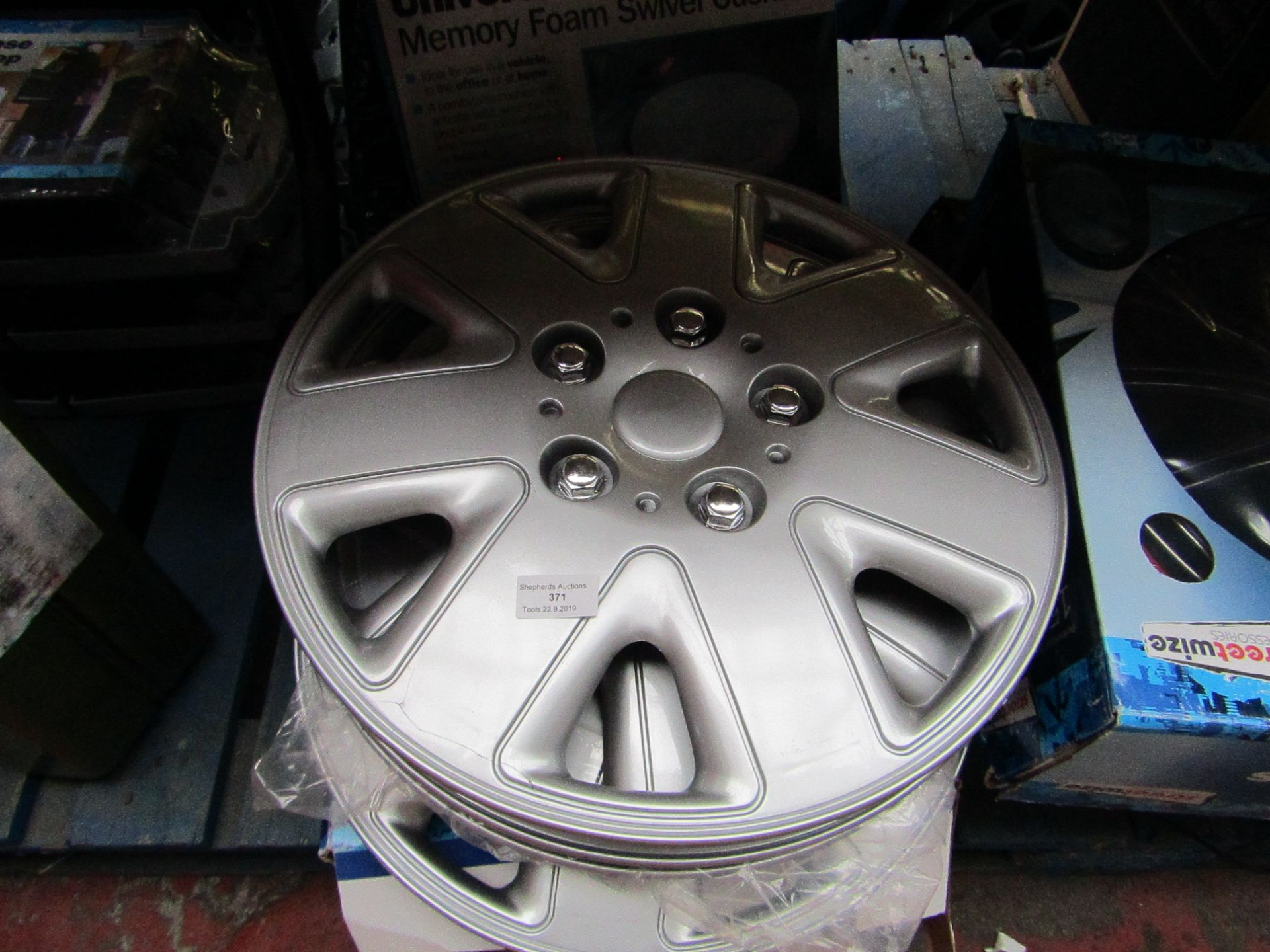 "Lot 371 - 2x Sets of Streetwise Wheel trims one is 14"" unsure of the other."