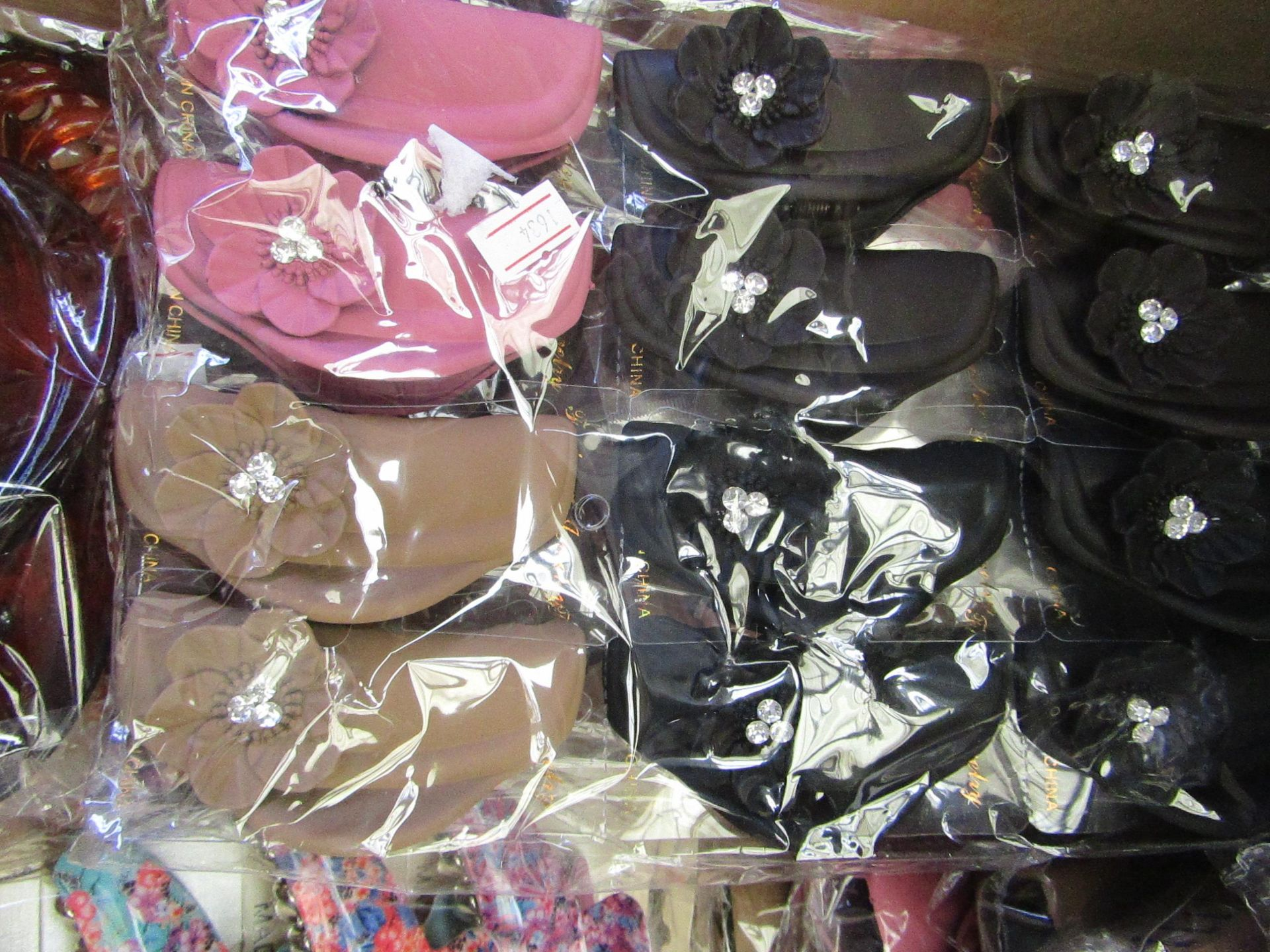 Lot 58 - 12 x Large Decorative Hair Claw Accessories RRP £5.00 each @ Claires Accessories