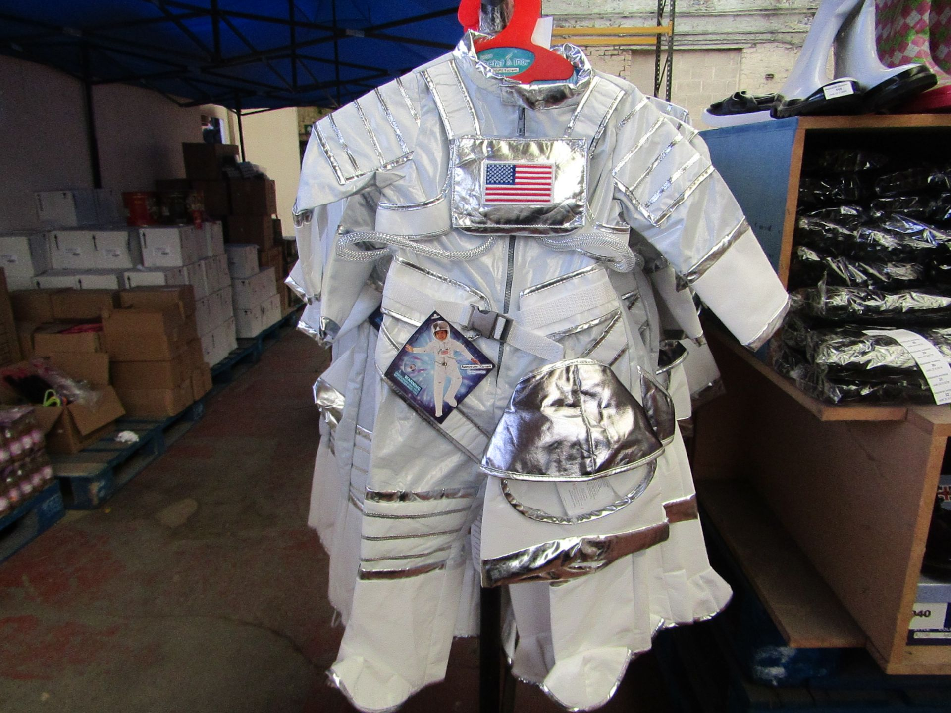 Lot 9 - Adventure Factory Astronaut Fancy Dress age 3/4 yrs RRP £24.99 new with tags