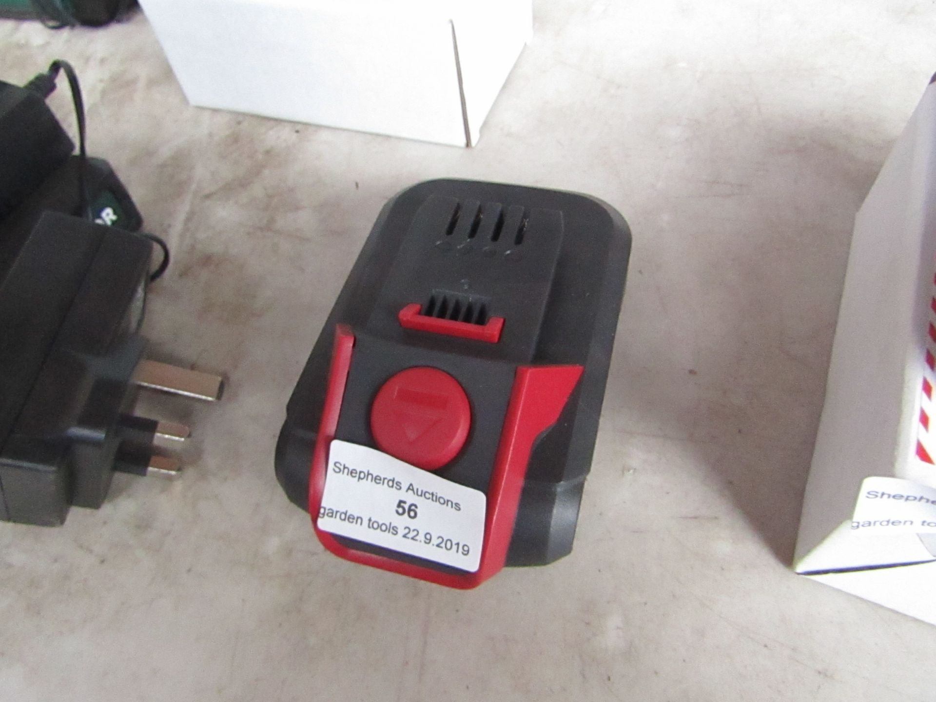 Lotto 56 - Spear and Jackson 18V Battery, tested working when attached to a Power tool.