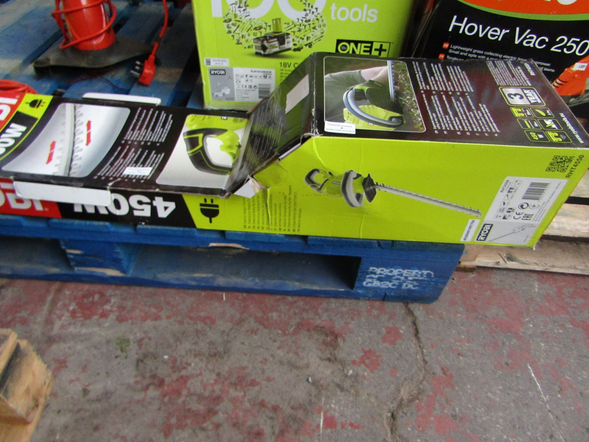 Lot 7 - Ryobi 450w Electric hedge trimmer, unable to test as the cable has been cut part way through, should