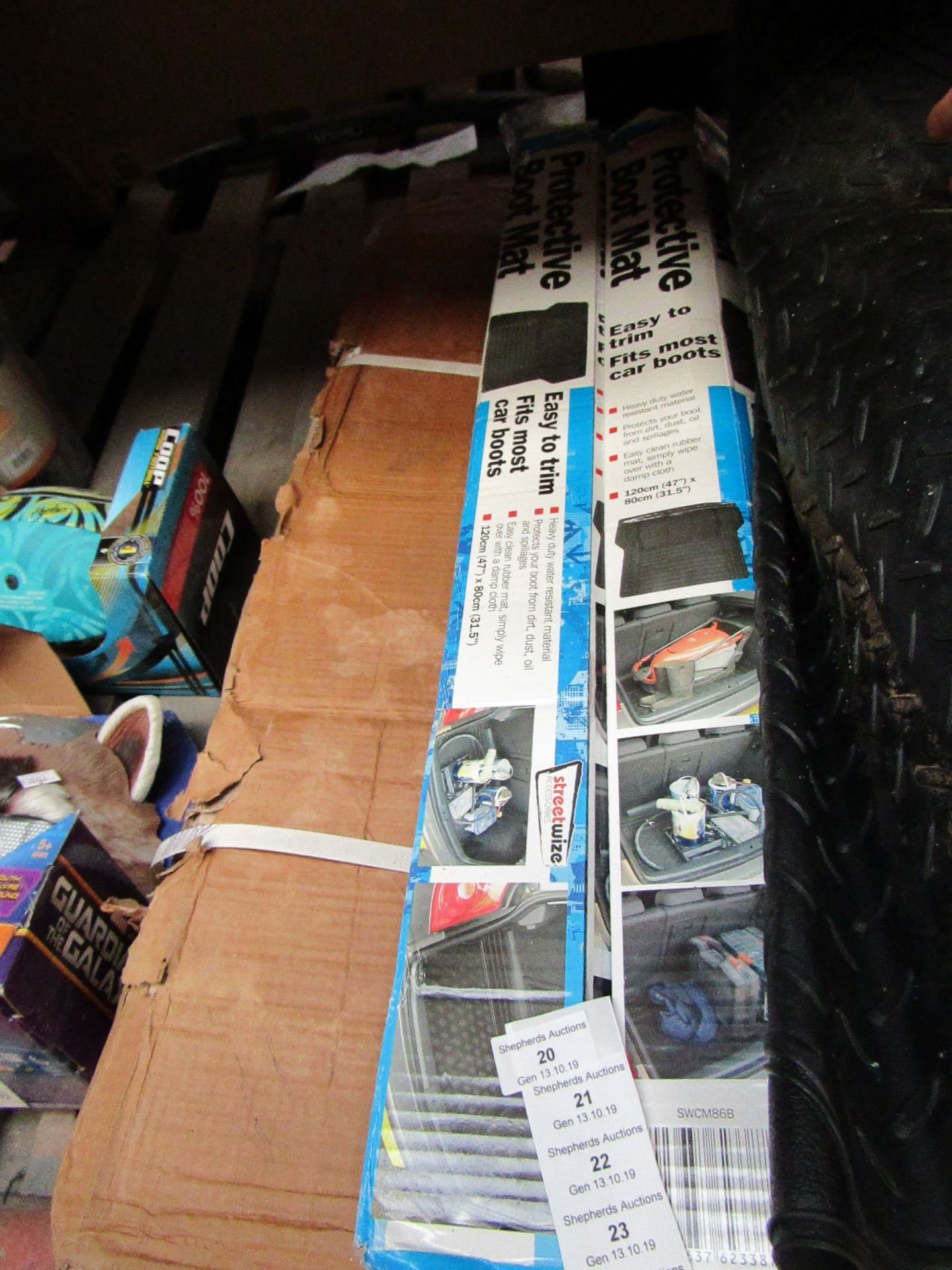 Lot 20 - Streetwize easy trim universal boot mat, unchecked and boxed.