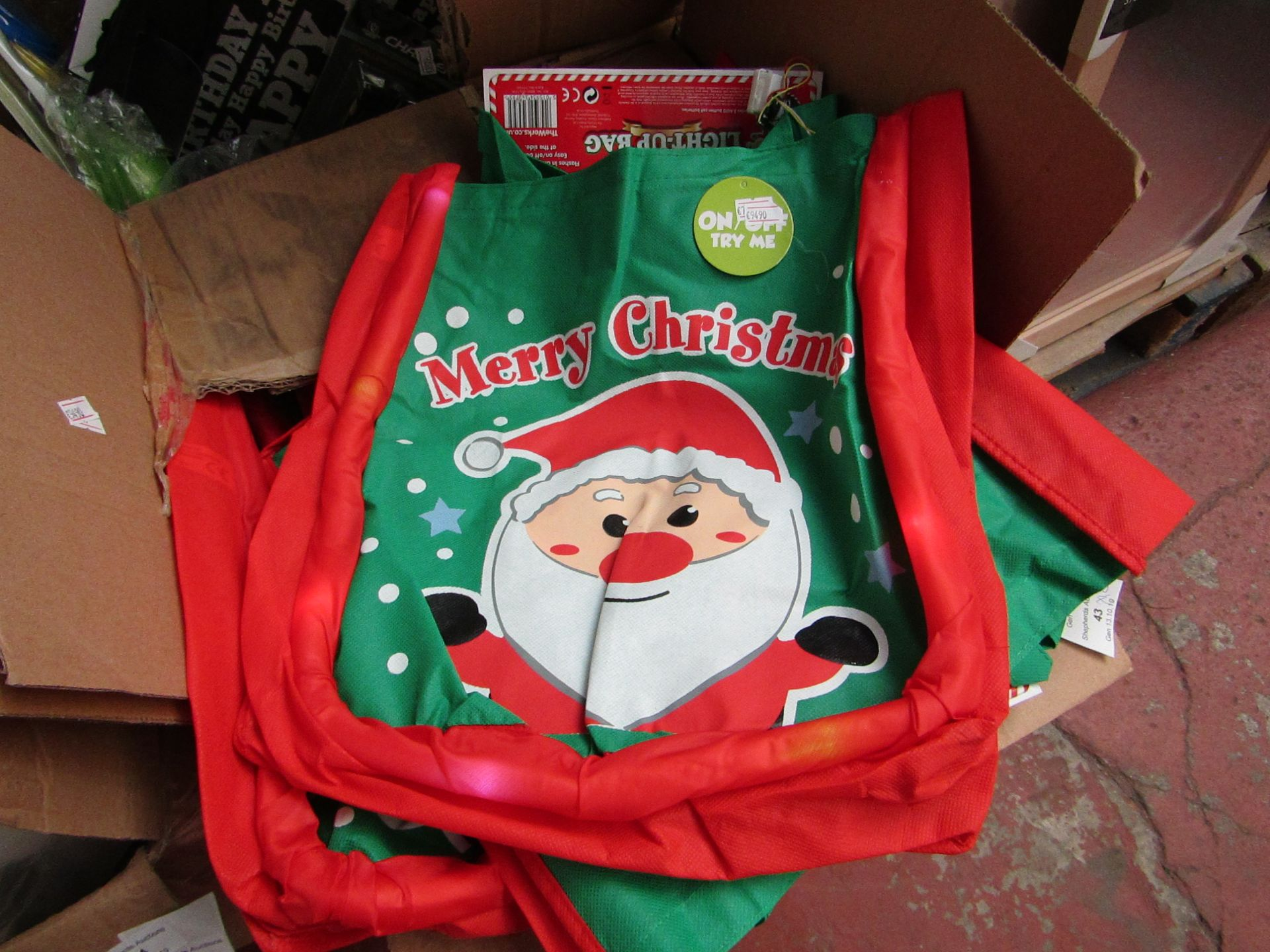 Lot 40 - 12x Merry Christmas bags, all new. Each RRP £3