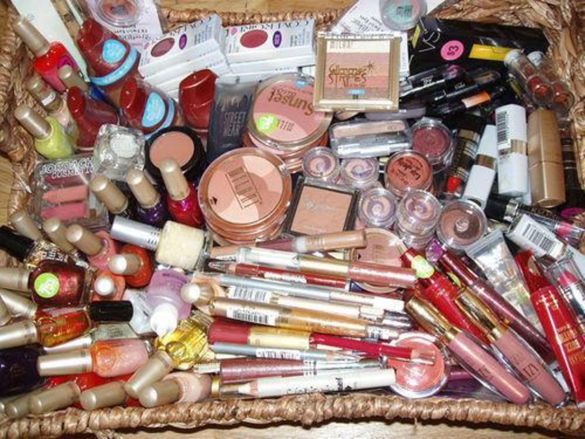 Lot 18 - 1000 x Branded Cosmetics – Full Size Testers – Mixed BrandsAll items brand new, unused and full size