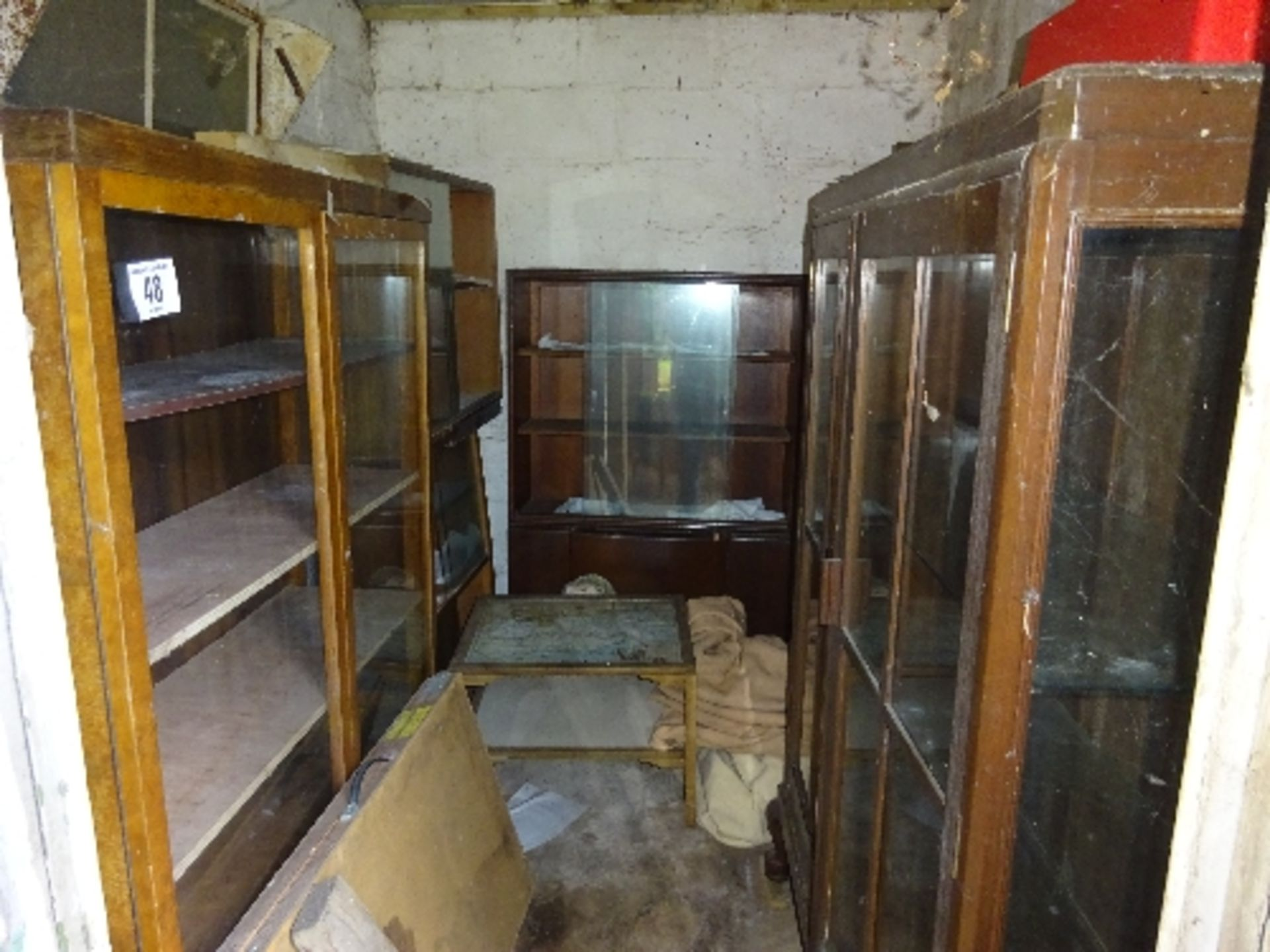 Lot 48 - 7 assorted display cabinets