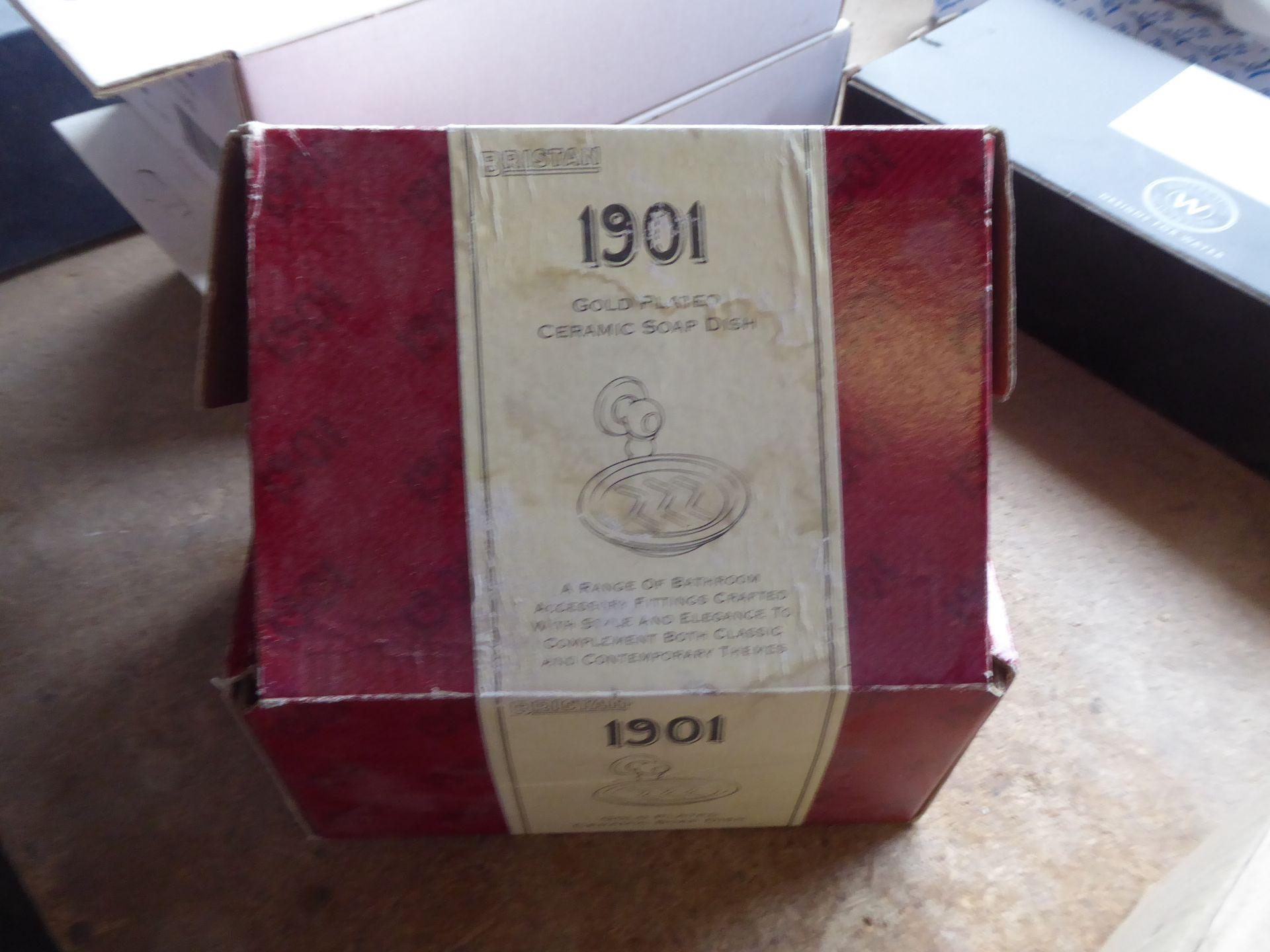 Lot 60 - Bristan 1901 soap dish, white ceramic/gold