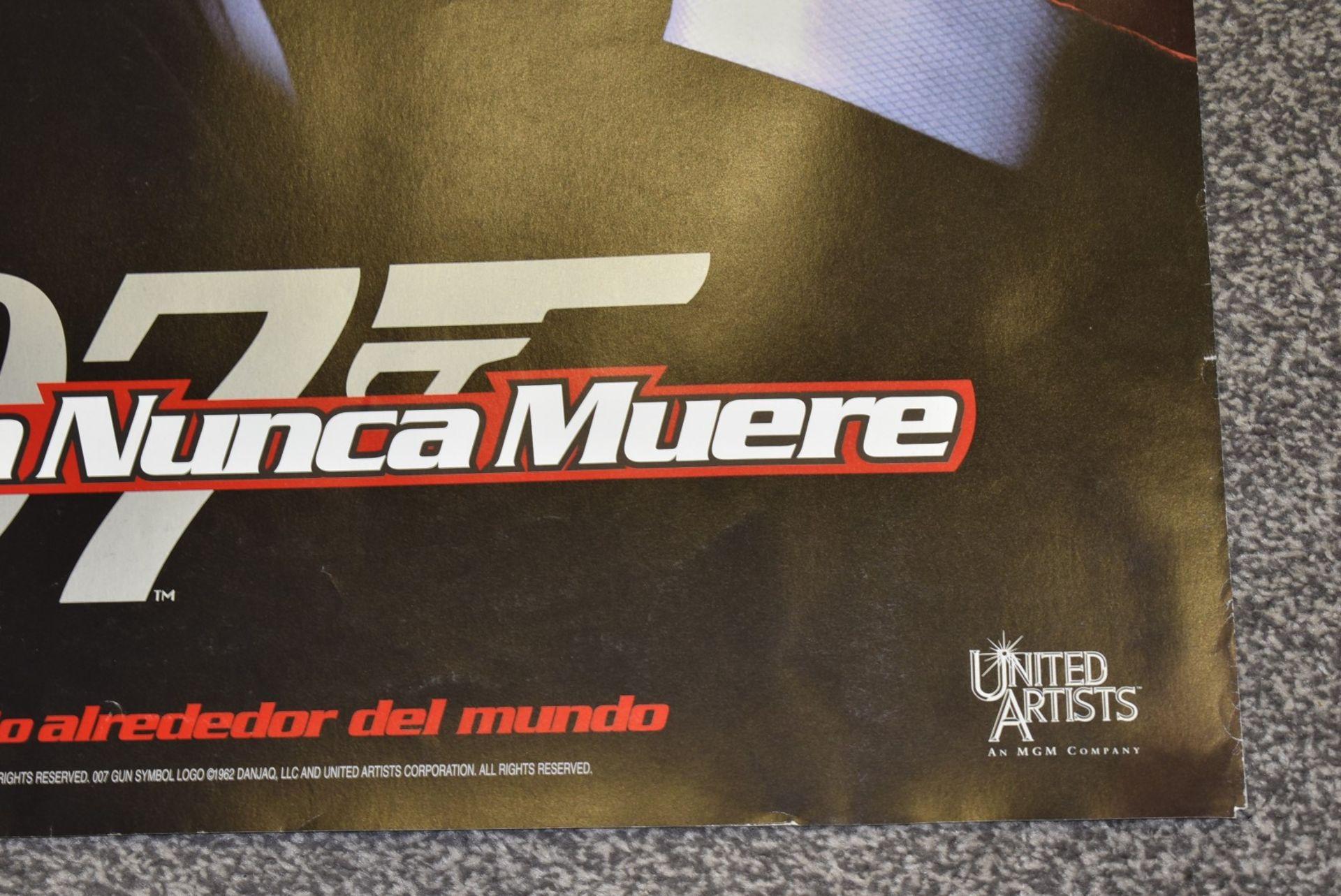 Lot 4072 - 1 x Spanish Double Side Movie Poster - JAMES BOND 007 TOMORROW NEVER DIES - StarringPierce Brosnan,