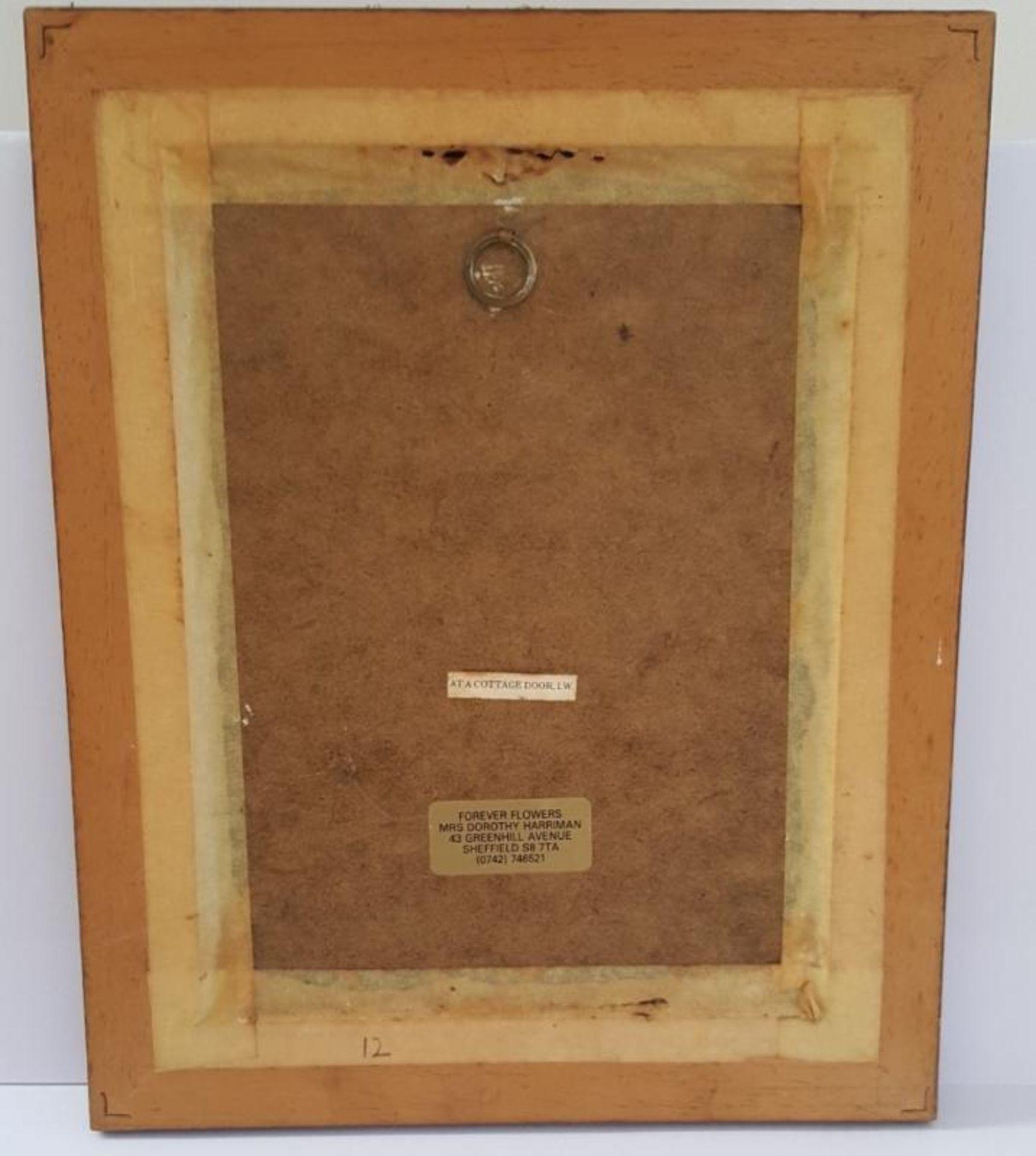 Lot 7388 - 1 x Framed Artwork Entitled 'At A Cottage Door' - Dimensions: H25/L20cm - Ref CQ340 E - CL334 - Loca